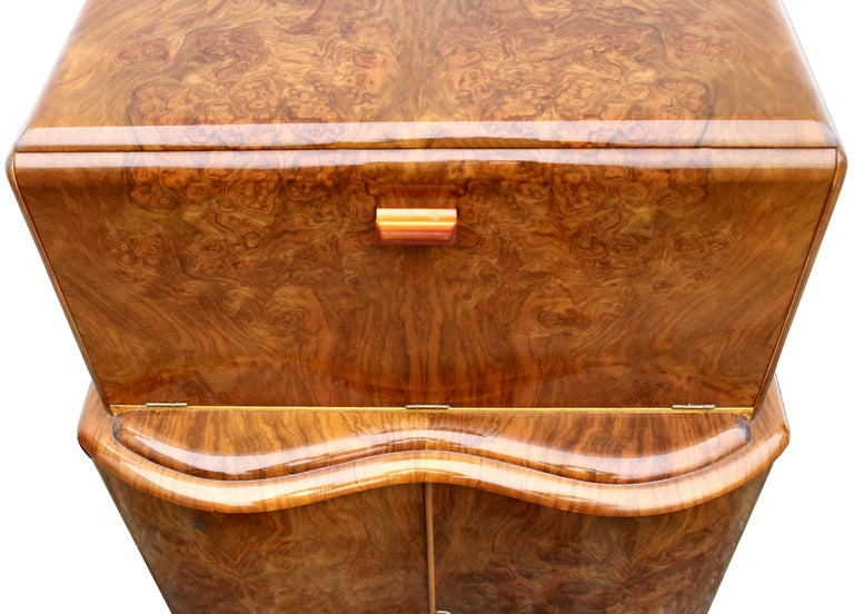 Glass Art Deco Serpentine Fronted Cocktail Cabinet in Walnut, circa 1938 For Sale