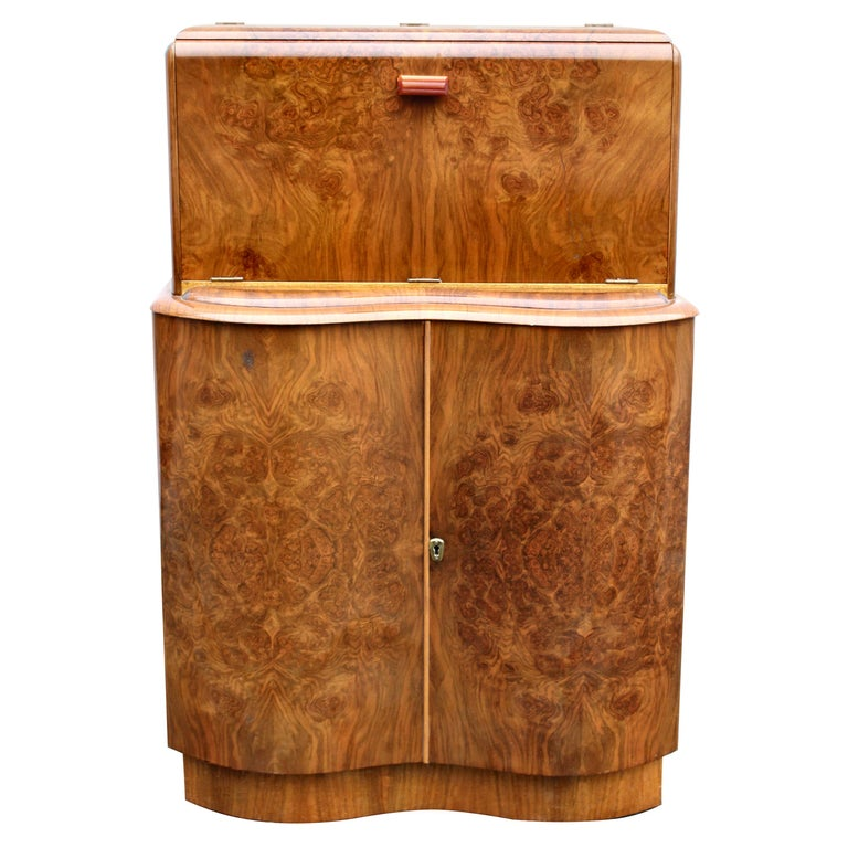 Art Deco Serpentine Fronted Cocktail Cabinet in Walnut, circa 1938 For Sale