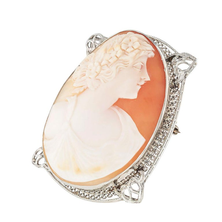 Art Deco Shell Cameo Filigree White Gold Brooch Pendant In Good Condition In Los Angeles, CA