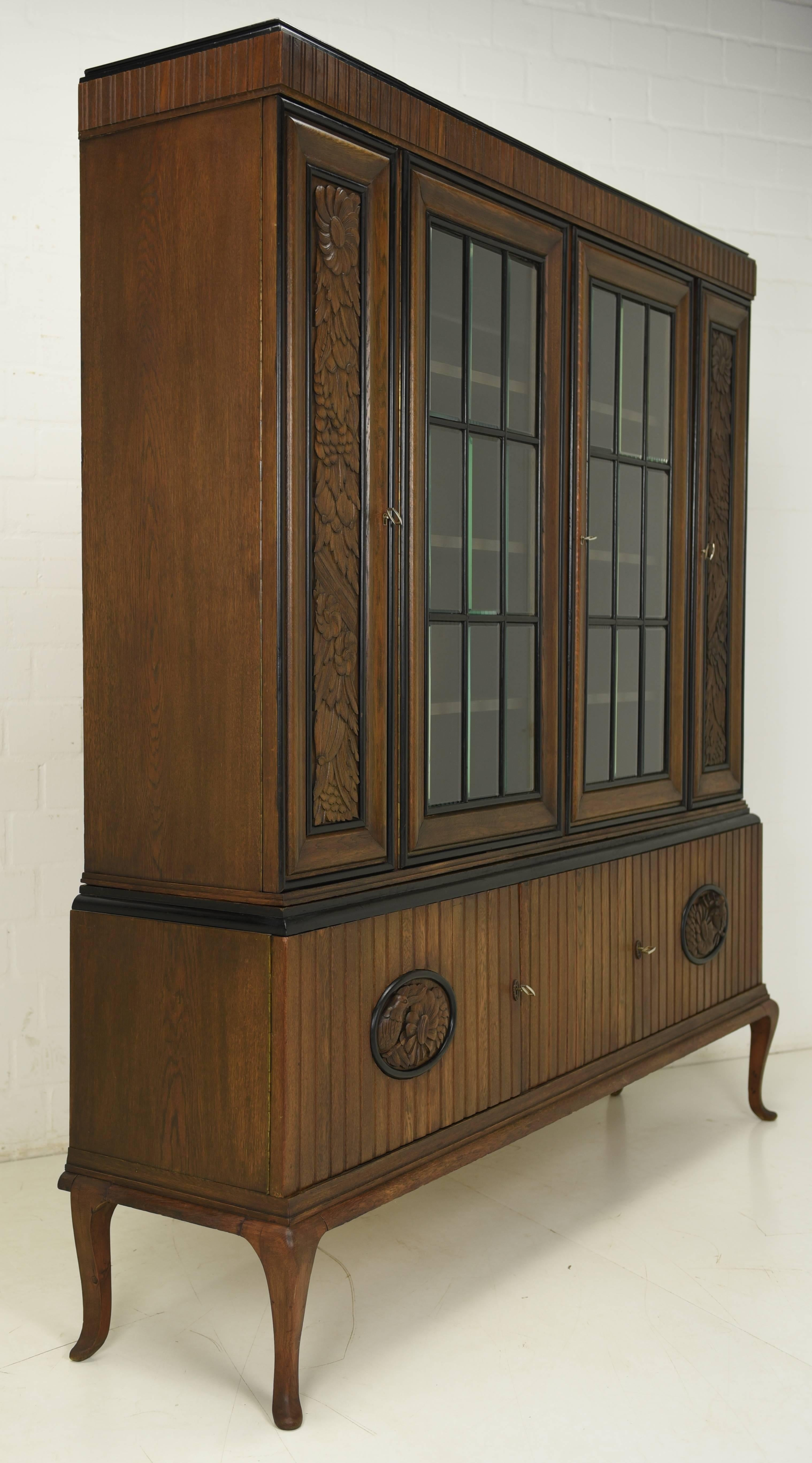Veneer Art Deco Showcase Cabinet From 1925 For Sale