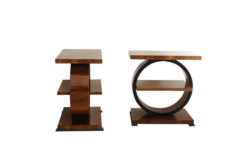Art Deco Side Table, Walnut Veneer, France, circa 1925 In Good Condition For Sale In Regensburg, DE