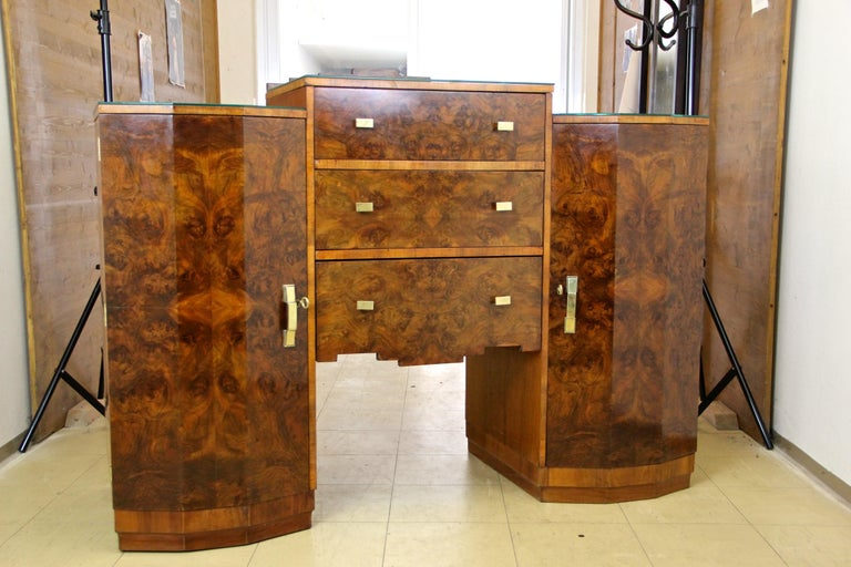 Art Deco Sideboard or Buffet Burr Walnut Bookmatched, Austria, circa 1925 For Sale 8