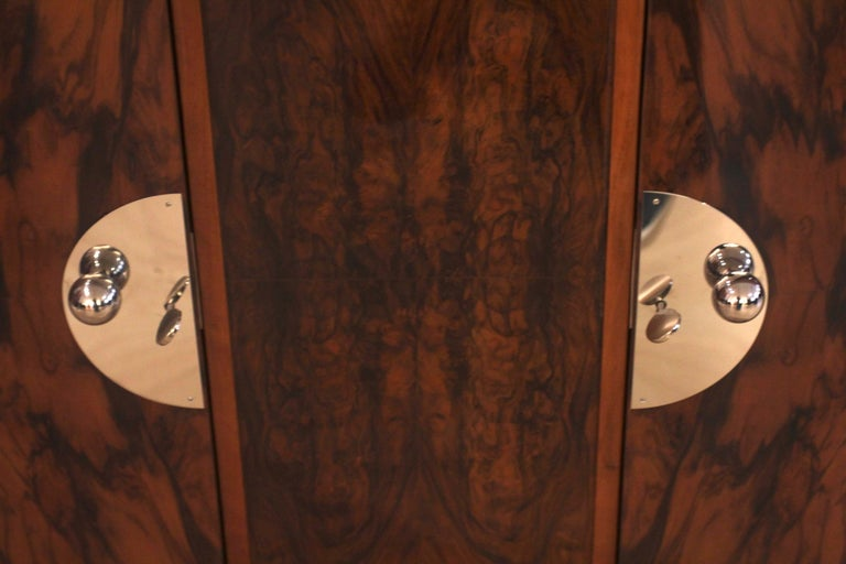 Art Deco Sideboard, Walnut Veneer, France circa 1930 For Sale 2