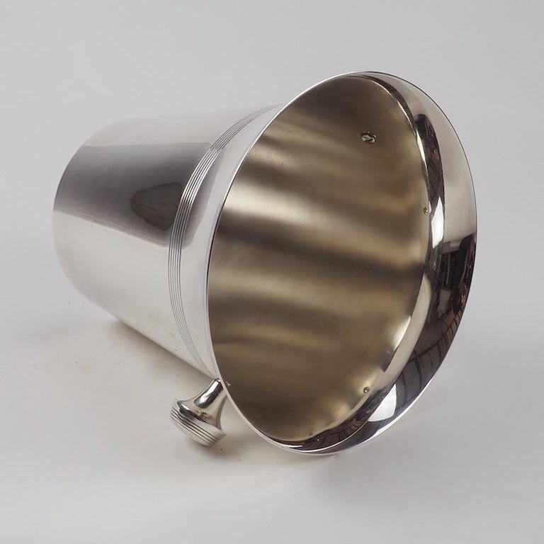 Art Deco Silver Plate Wine Cooler of Elegant Design In Good Condition For Sale In London, GB