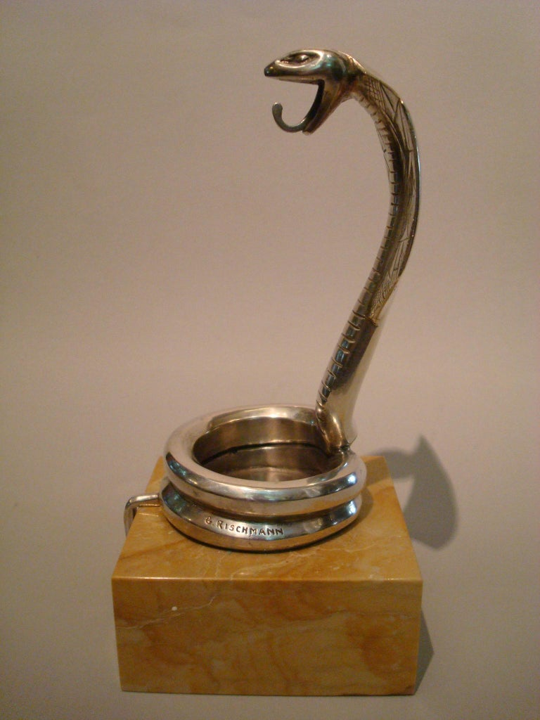 Art Deco Silvered Bronze Cobra Paperweight or Watch Stand by Rischmann France In Good Condition For Sale In Buenos Aires, Olivos