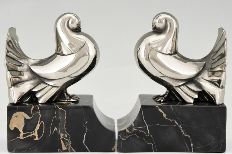 Mid-20th Century Art Deco Silvered Bronze Dove Bookends Scribe, France, 1930 For Sale