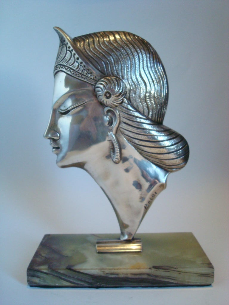 Art Deco Silvered Bronze Sculpture / Bust of a Princess, 1920´s For Sale 1