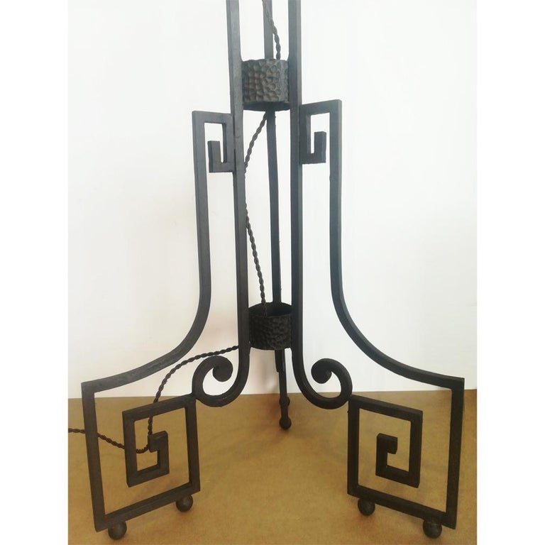 Art Deco Skyscraper Floor Lamp Cast Iron Eiffel Style France Early 20th Century In Good Condition For Sale In Mombuey, Zamora
