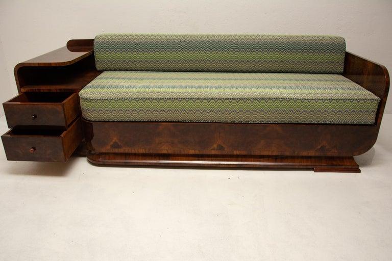 Art Deco Sofa in Walnut, 1930s, Bohemia For Sale 6