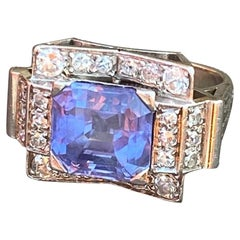 Art Deco Solitaire Ring, Sapphire circa 6,30 Carats, Diamonds and Platinum