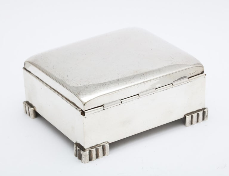 Art Deco Sterling Silver Footed Table Box With Hinged Lid For Sale 1