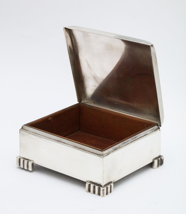 Art Deco Sterling Silver Footed Table Box With Hinged Lid For Sale 2