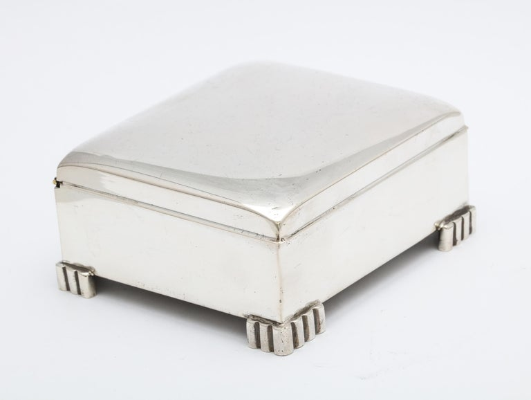 Art Deco Sterling Silver Footed Table Box With Hinged Lid For Sale 4