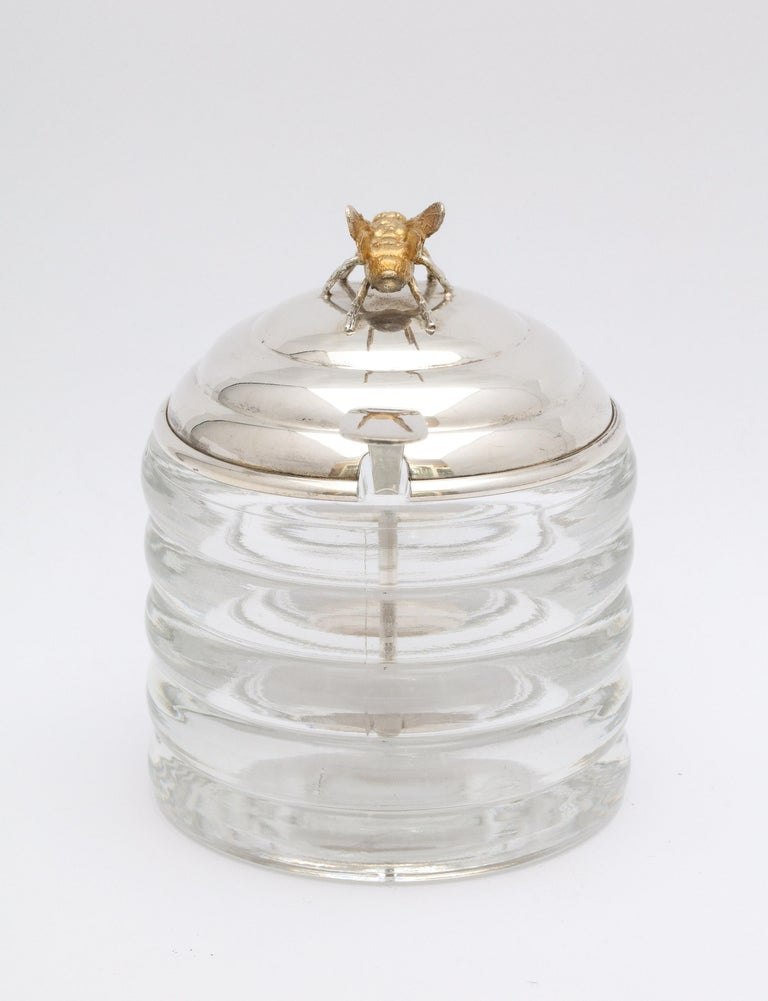Art Deco Sterling Silver-Mounted Beehive-Form Honey Jar In Good Condition For Sale In New York, NY