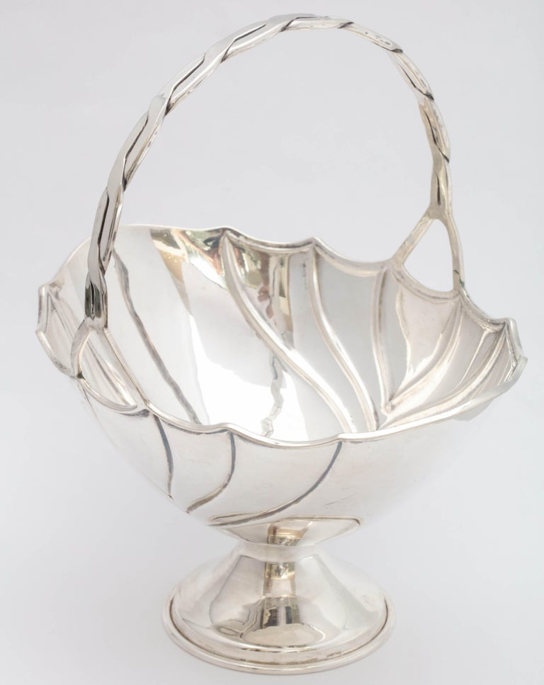 Art Deco Sterling Silver Table Basket on Pedestal Base For Sale 1