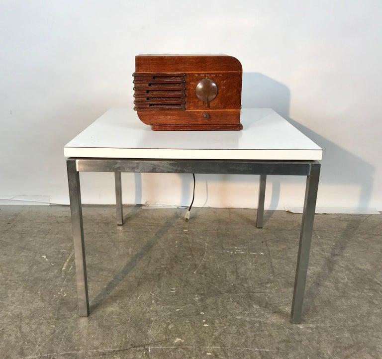 Bakelite Art Deco Streamline Tabletop Radio by Stewart Warner For Sale