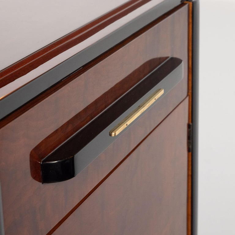 Art Deco Streamlined Bookmatched Walnut & Black Lacquer Cabinet by Donald Deskey For Sale 4