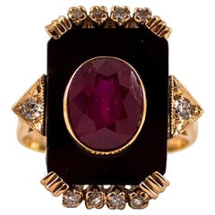 Art Deco Style 0.18 Carat White Diamond 2.10 Carat Ruby Onyx Yellow Gold Ring