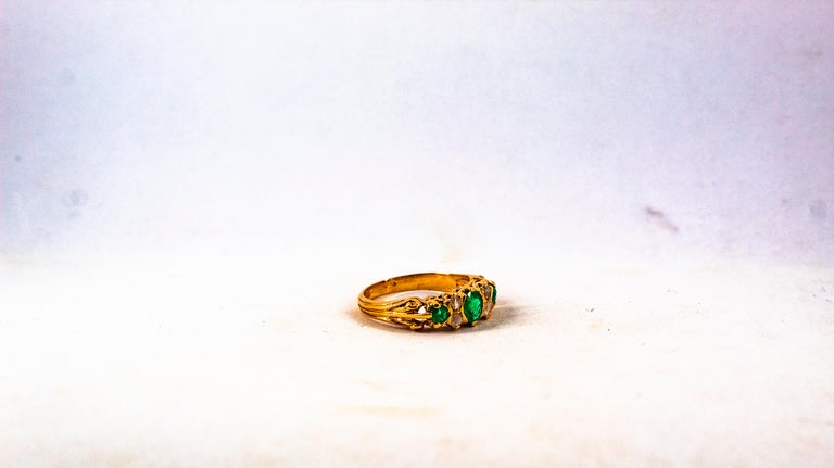 Art Deco Style 0.75 Carat White Rose Cut Diamond Emerald Yellow Gold Band Ring For Sale 10