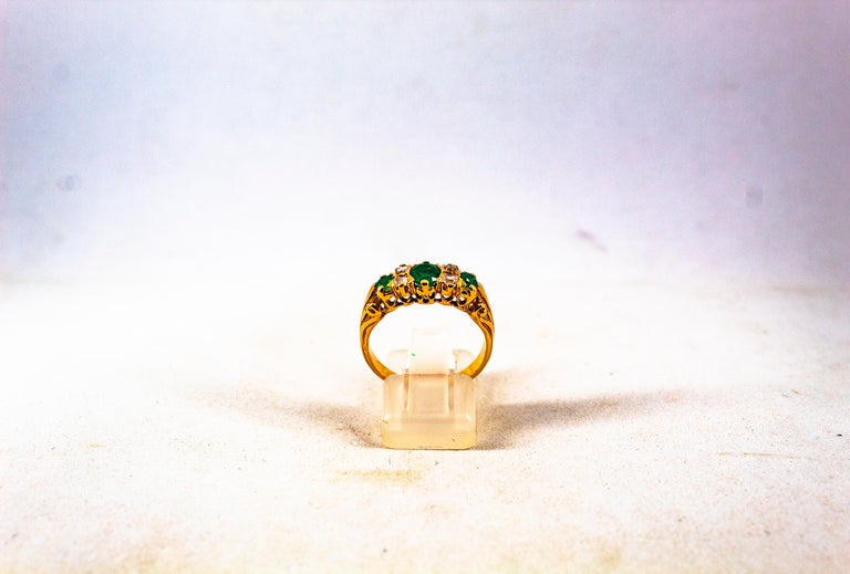 Art Deco Style 0.75 Carat White Rose Cut Diamond Emerald Yellow Gold Band Ring For Sale 3