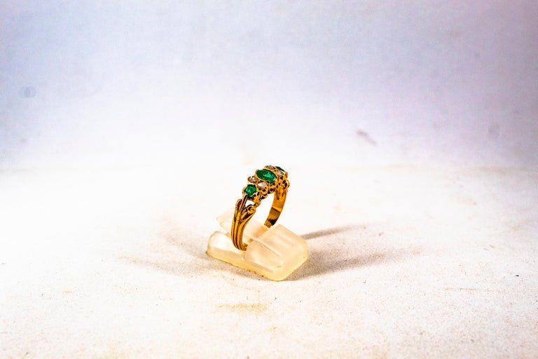 Art Deco Style 0.75 Carat White Rose Cut Diamond Emerald Yellow Gold Band Ring For Sale 5
