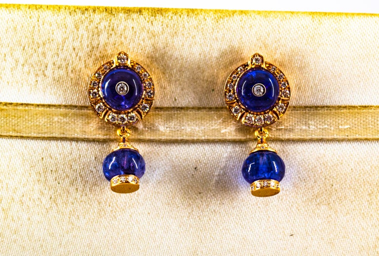 Art Deco Style 14.45 Carat White Diamond Tanzanite Yellow Gold Dangle Earrings In New Condition For Sale In Naples, IT