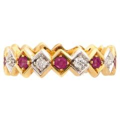 Art Deco Style 18 Karat Gold 0.18 Karat Ruby 0.08 Karat White Diamonds Ring