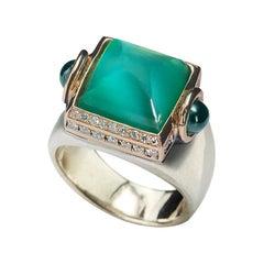 Art Deco Style 18 Karat Gold 0.20 Karat Diamond Green Agate Cocktail Design Ring