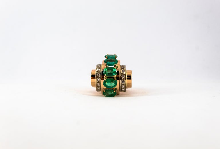 Art Deco Style 4.30 Carat White Diamond Emerald Yellow Gold Cocktail Ring For Sale 3