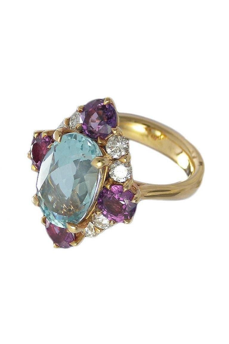 Art Deco Style Aquamarine Violet Sapphire and Diamond Cluster Ring In New Condition For Sale In La Neuveville, Berne