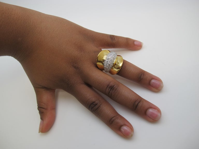 Artisan Art Deco Style Diamond and 18 Karat Yellow Gold Ring, 2.53 Carat Total Weight For Sale