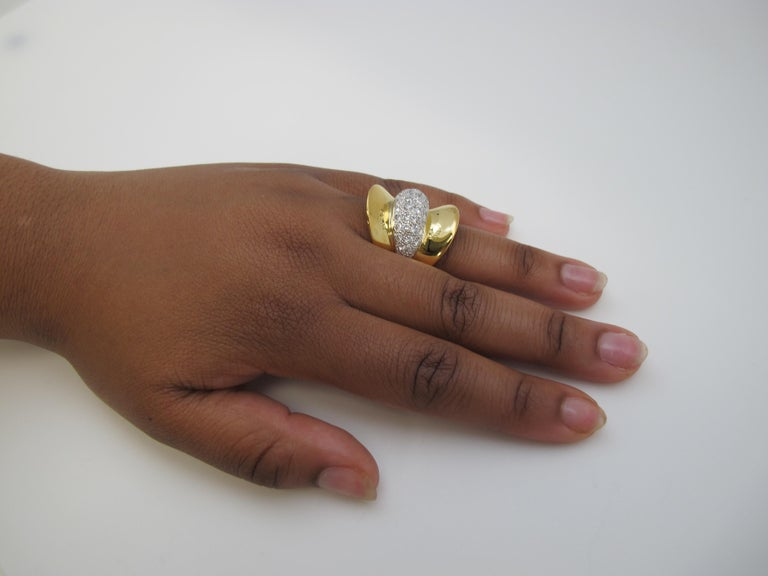 Art Deco Style Diamond and 18 Karat Yellow Gold Ring, 2.53 Carat Total Weight In New Condition For Sale In Los Angeles, CA