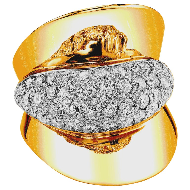 Art Deco Style Diamond and 18 Karat Yellow Gold Ring, 2.53 Carat Total Weight For Sale