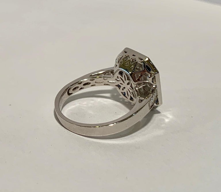 Art Deco Style Diamond and Blue Sapphire Calibre Cut 18 Karat White Gold Ring For Sale 6
