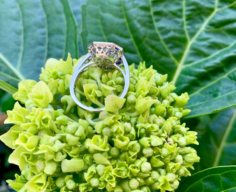 Art Deco Style Diamond and Blue Sapphire Calibre Cut 18 Karat White Gold Ring For Sale 9