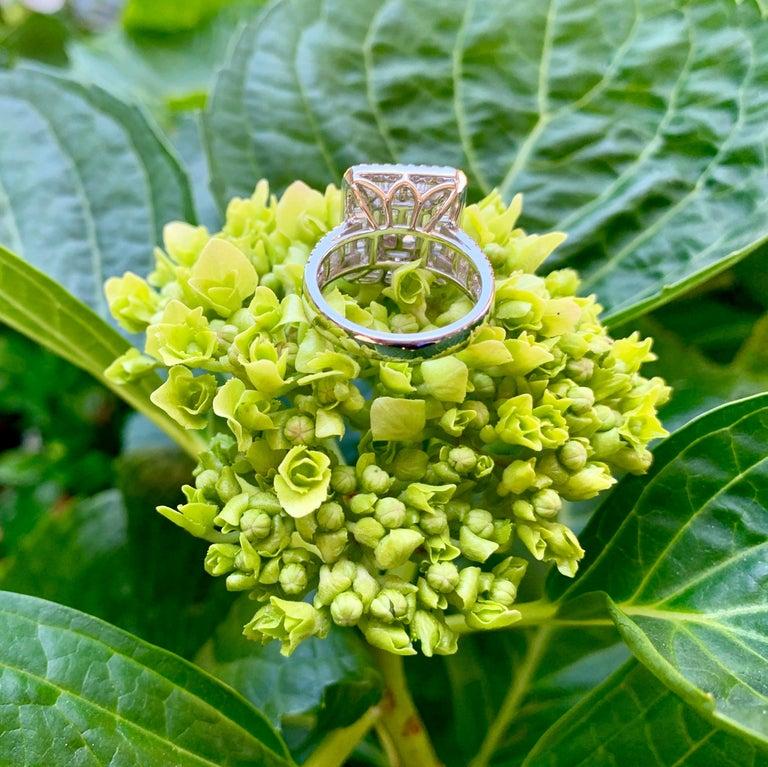Art Deco Style Diamond and Blue Sapphire Calibre Cut 18 Karat White Gold Ring For Sale 10