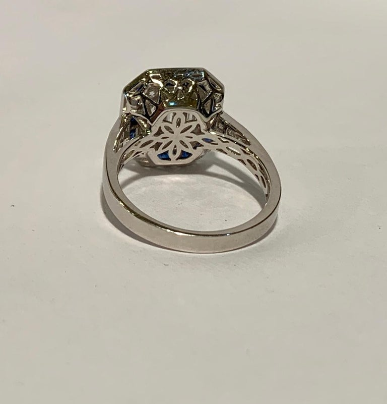 Art Deco Style Diamond and Blue Sapphire Calibre Cut 18 Karat White Gold Ring For Sale 5
