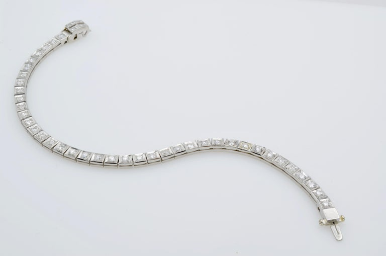 Diamond and Platinum Tennis Bracelet 1960 In Excellent Condition For Sale In Berkeley, CA