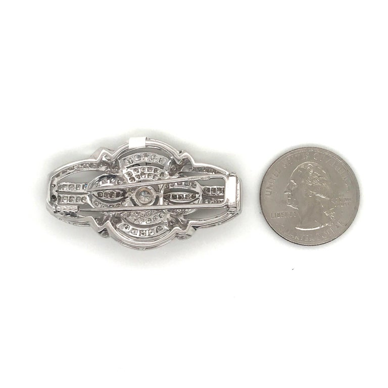 Art Deco Style Diamond Brooch 2.50 Carat, Italy In Excellent Condition For Sale In New York, NY