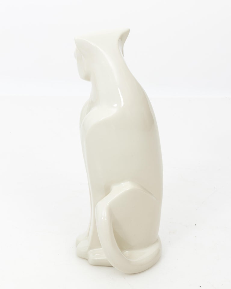 Art Deco Style Haeger Ceramic Panther Sculpture In Good Condition For Sale In New York, NY