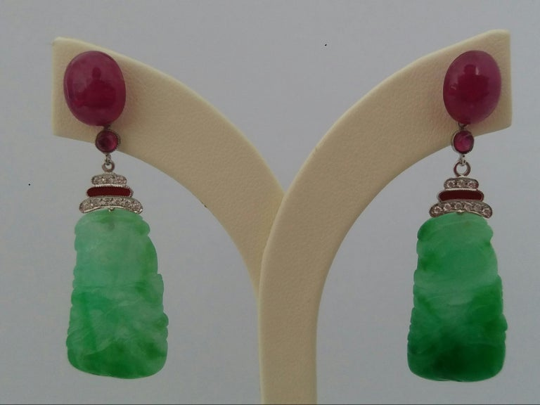 Art Deco Style Jade Ruby Cabs Gold Diamonds Red Enamel Dangle Earrings In Good Condition For Sale In Bangkok, TH