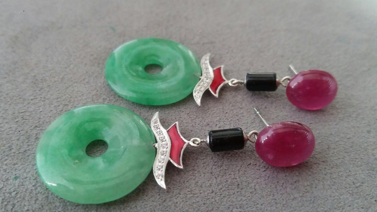 Art Deco Style Jade Ruby Gold Diamonds Red Enamel Black Onyx Dangle Earrings In Good Condition For Sale In Bangkok, TH