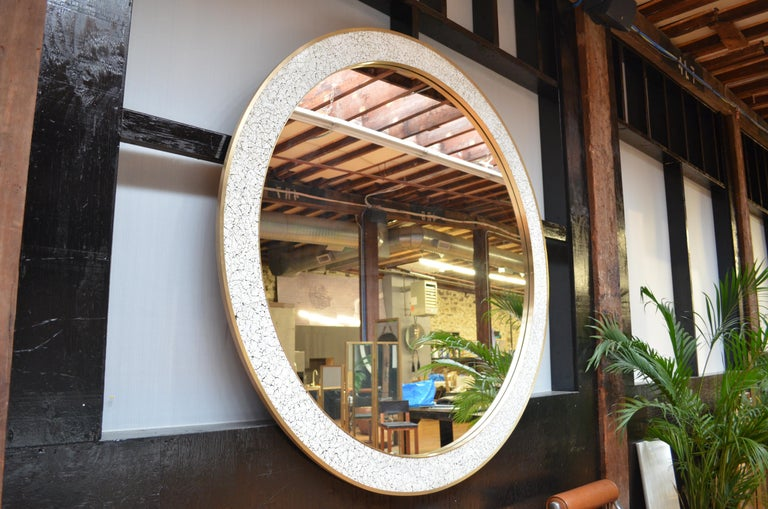 American Art Deco Style L'Oeuf Mirror with Hand-Cracked Eggshell and Lacquer Frame Round For Sale