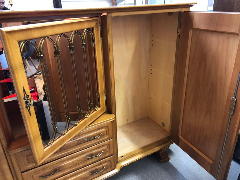Art Deco Style Medium Sideboard, Mid-Century Modern In Good Condition For Sale In London, GB
