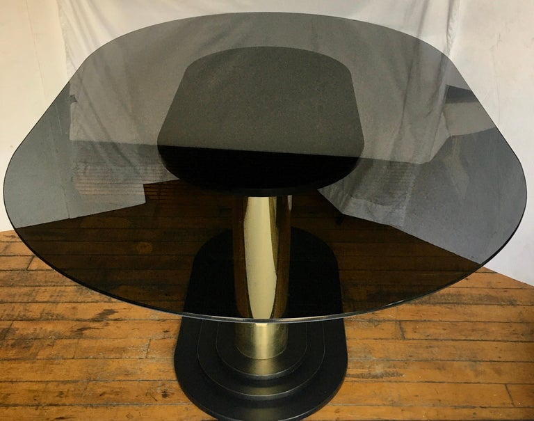 Art Deco Style Oval Smoked Glass and Brass Pedestal Column Dining Table, 1980s In Good Condition For Sale In Lambertville, NJ