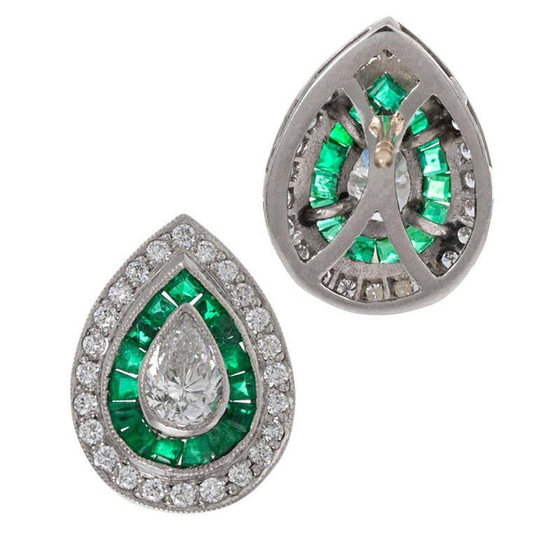 Art Deco Style Pear Diamond and Emerald Earrings In Good Condition For Sale In Carmel-by-the-Sea, CA
