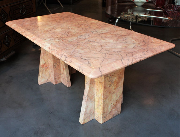 Art Deco Style Pink Marble Coffee Table, Italy, 1930s In Good Condition For Sale In Barcelona, ES