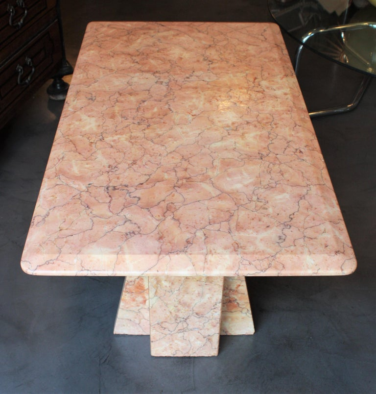 Art Deco Style Pink Marble Coffee Table, Italy, 1930s For Sale 1