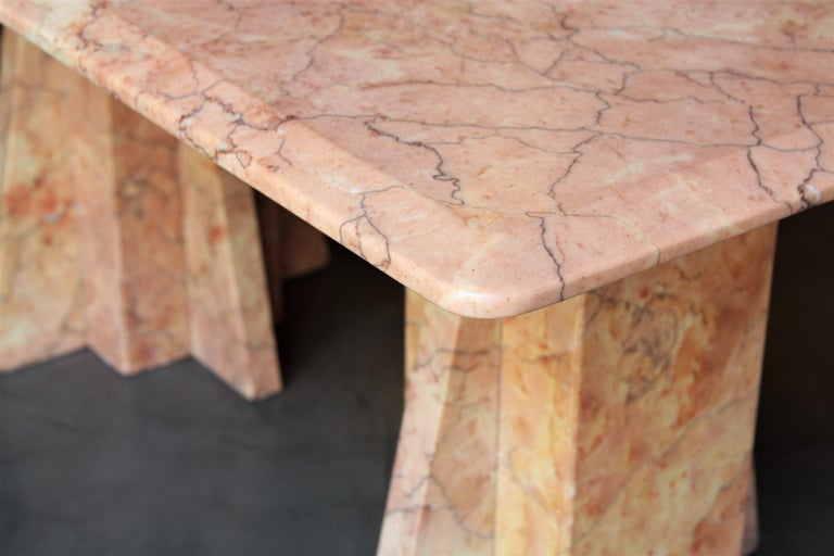 Art Deco Style Pink Marble Coffee Table, Italy, 1930s For Sale 4