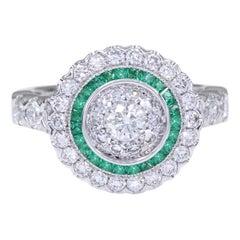 Art Deco Style Ring 18 Karat White Gold Diamonds and Green Emerald Art Deco Ring